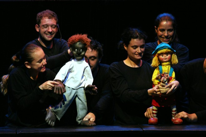 cidade-azul-cia-truks-teatro-de-bonecos-sao-paulo